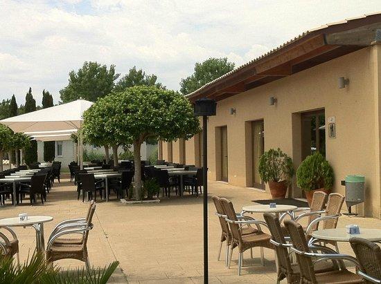 Valentin Playa de Muro: зона  для завтрака и ужина