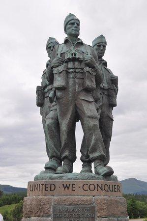 Commando Monument: 3