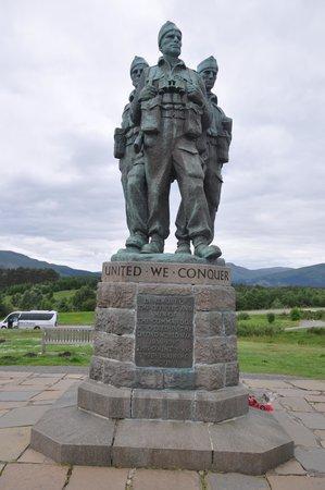 Commando Monument: 4