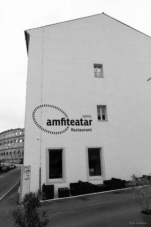 Amfiteatar Hotel: Hotel