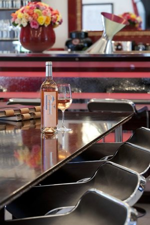 Peter Falke Winery: Enjoy a glass of wine at our elegant Wine Bar