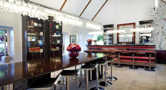 Peter Falke Winery: Inside our Tasting Room