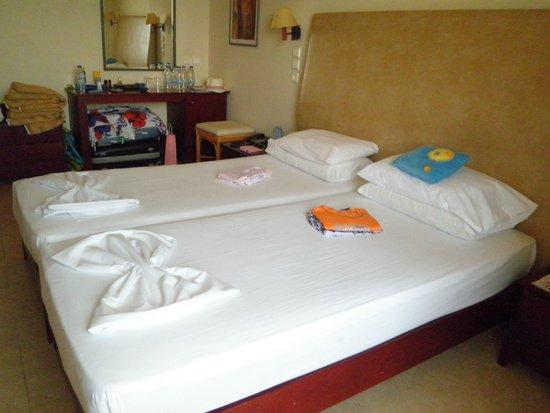 Santa Marina Beach Hotel: nasz pokój nr 211