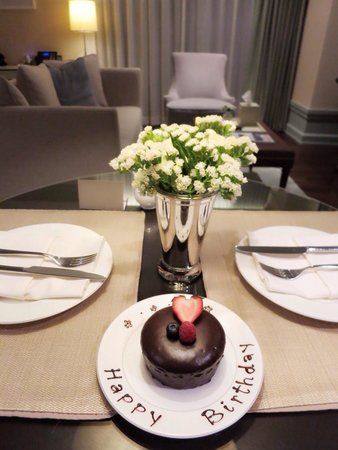 Oriental Residence Bangkok: Birthday cake from hotel in my birthday.