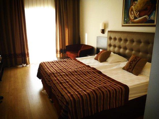 Maritim Pine Beach Resort: Room