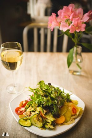 Metropolitan Cafe: Salads of the day