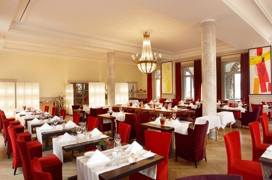 Sparks: Restaurant