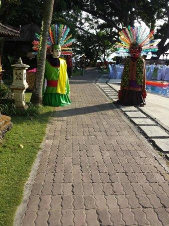 Puri Saron Seminyak: Wedding Entrance