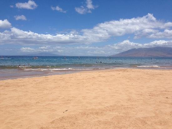 Wailea Beach : Calm water fir S.U.P. (paddleboarding) at Wailea.