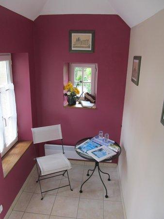 Chambres d'hotes Le Hutrel : ingresso camera framboise