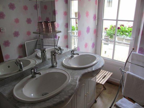 Chambres d'hotes Le Hutrel : bagno