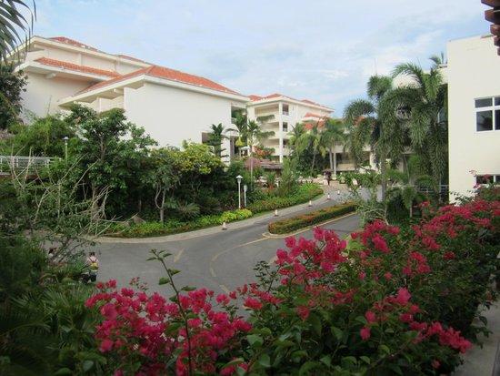 Guesthouse International Hotel: Основной въезд в отель