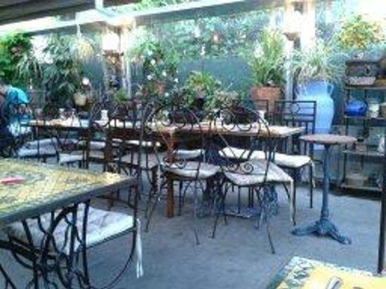 le jardin de saradam hyeres restaurant reviews phone number photos tripadvisor. Black Bedroom Furniture Sets. Home Design Ideas