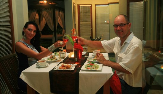 Amor Bali Villa: Candle light dinner on your honeymoon