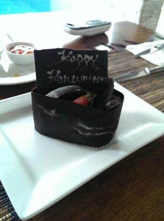 The Wolas Villas & Spa: Yummy honeymoon cake