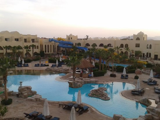 Palmyra Resort : The view from our balcony in the evening