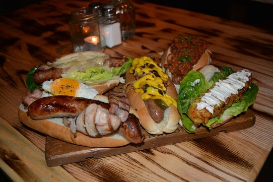 The Chequers Pub & Kitchen: Hot Dog Night