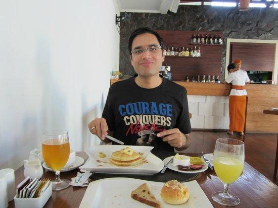 The Wolas Villas & Spa: Very fresh spread of breakfast