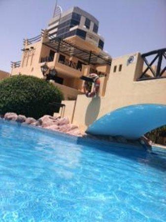 Novotel Bahrain Al Dana Resort: Great Pool