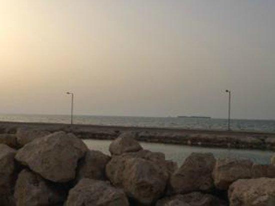 Novotel Bahrain Al Dana Resort: View as I left the hotel and crossed the bridge....