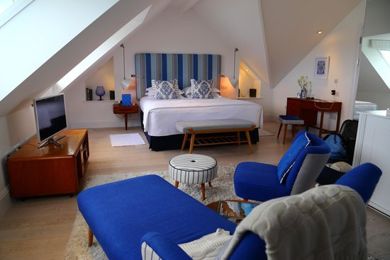 Trevose Harbour House: loft suite