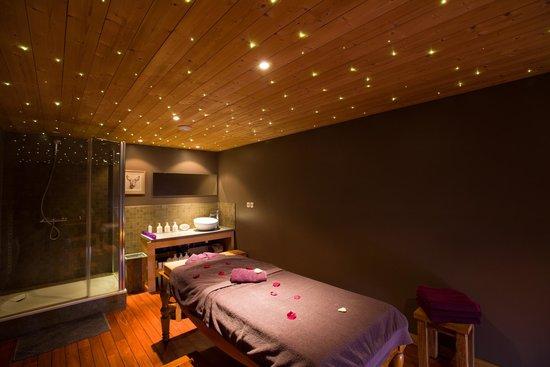 Chalet Hôtel Kaya : Salle de massage ciel étoilé