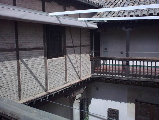 Museo del Greco: Landing above courtyard