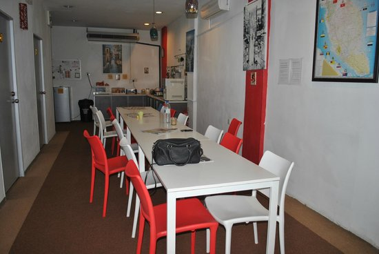 Suzie's Guesthouse and Hostel: dining area