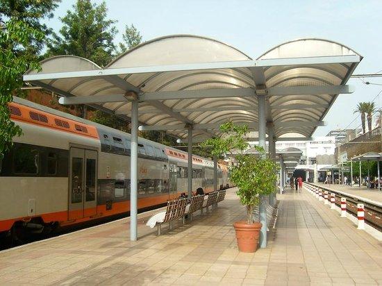 Rabat Old Town : Rabat Ville, estación de tren