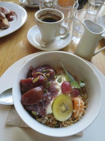 The Good Earth Cafe: Goodie Goodie