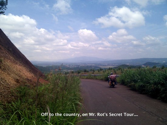 Villa Pink House : Out to the country, on Mr. Rot's Secret Tour