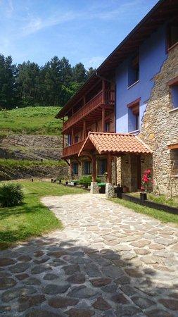 Hotel-Apartamento Rural Atxurra: FACHADA