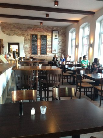 A Tavola: Inside the restaurant