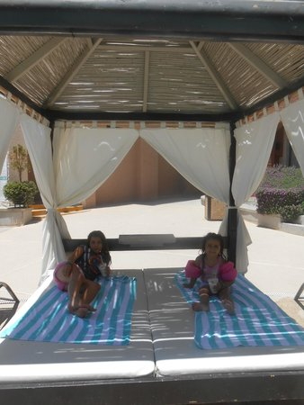 Penasco Del Sol Hotel: Chillaxin to some (virgen) piña colada
