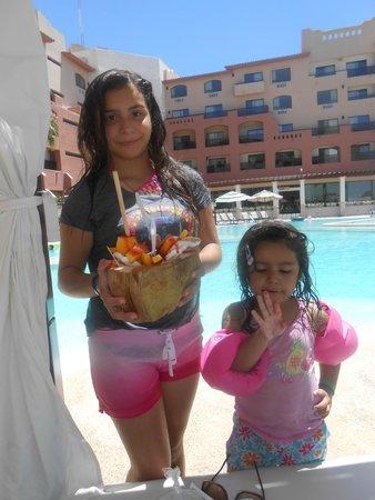 Penasco Del Sol Hotel: Snack time