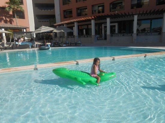 Penasco Del Sol Hotel : Enjoying the pool
