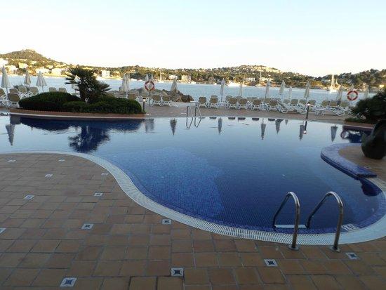 Iberostar Jardin Del Sol Suites: pool area