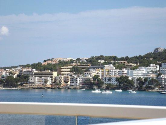 Iberostar Jardin Del Sol Suites: view over balcony to santa ponsa