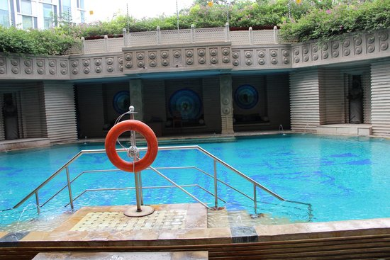 Hyderabad Marriott Hotel & Convention Centre: Pool