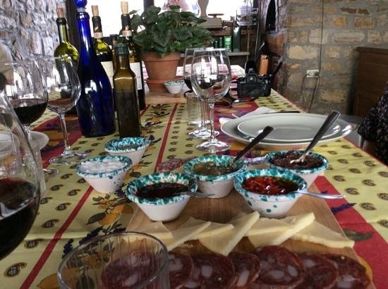 Scenic wine tours in Tuscany: lunch with Sergio