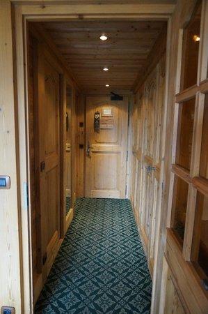 Chalet du Mont d'Arbois : couloir chambre