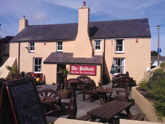 The Paddock Inn: Front aspect