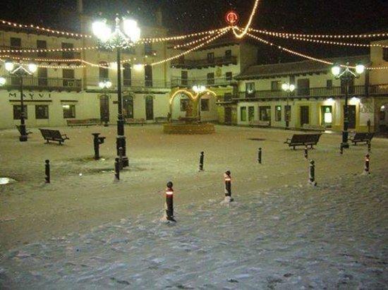 Tarazona de La Mancha, إسبانيا: PLAZA MAYO : EN INVIERNO