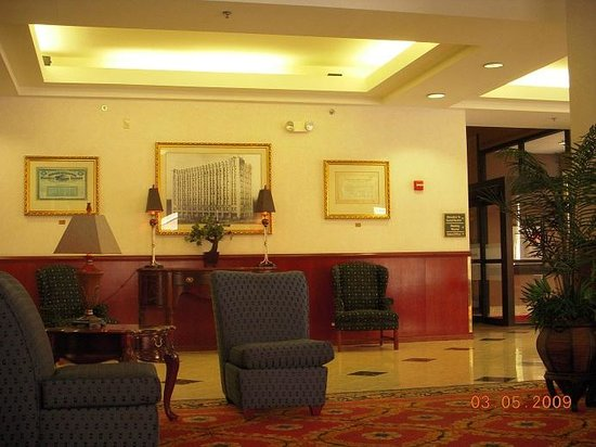 Hampton Inn Indianapolis Downtown Across from Circle Centre: Lobby