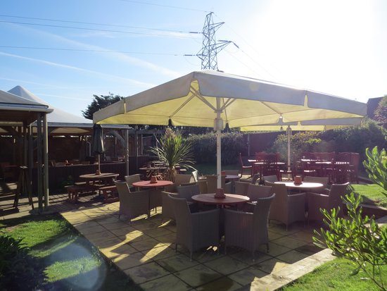 Treacle Mine: Beer garden
