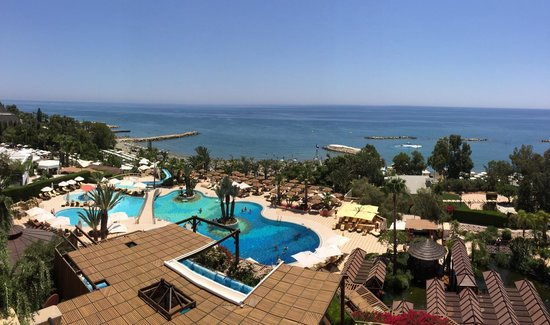 Four Seasons Hotel: Seaview superior room balcony