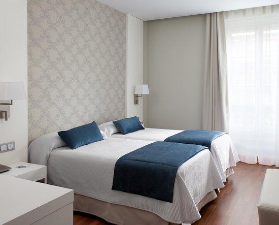 โรงแรมเอ็นเอช เอมบาจาด้า