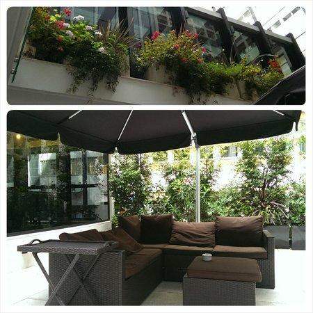 Turim Av Liberdade Hotel: outdoor smoking area