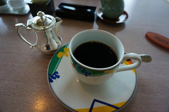 Ginza Creston Hotel : Изысканная подача кофе