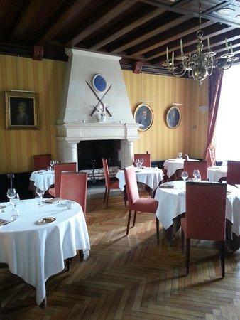 Chateau de Pray: salle du restaurant
